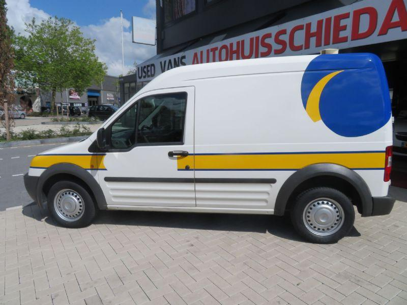 Ford Transit Connect T230L 1.8 TDCi Celebration 9