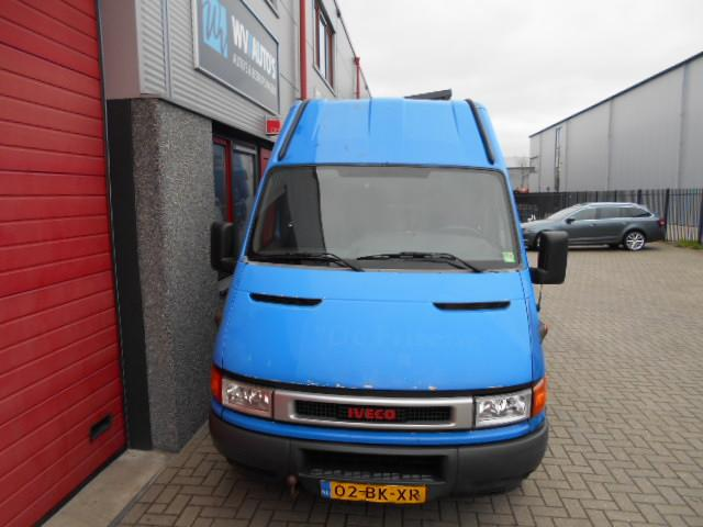 Iveco Daily 35 C 13V 330 H2 dubbellucht 3 zits 14