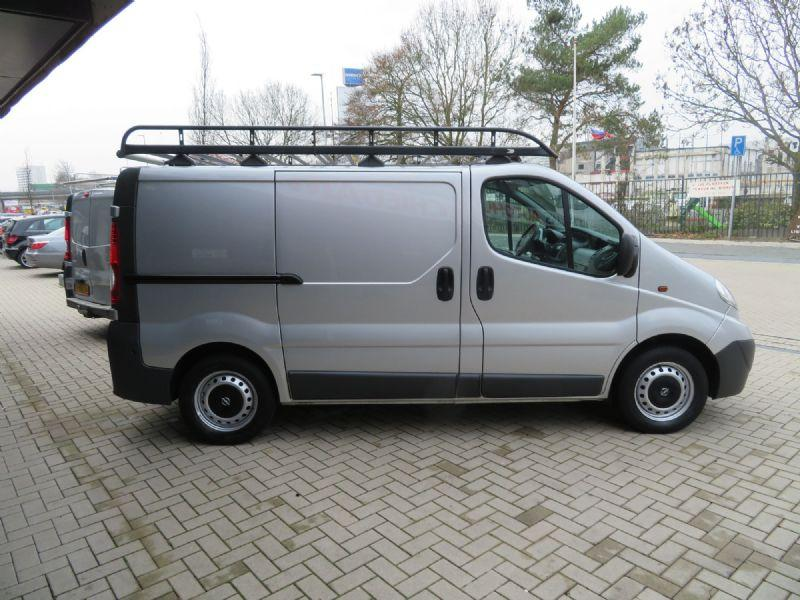 opel vivaro 2 0 cdti l1 h2 3 pers lease 199 pm gesloten. Black Bedroom Furniture Sets. Home Design Ideas