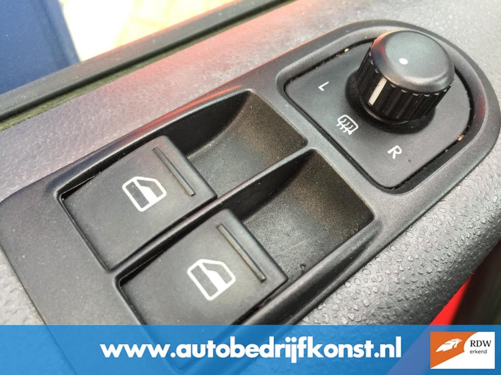 Volkswagen Transporter 300 T800 BUSCAMPER NW MODEL AIRCO CRUISE ELECTR RAMEN CENTRALE VERGRENDELING NW APK OH BEURT GROOT HEFDAK 16
