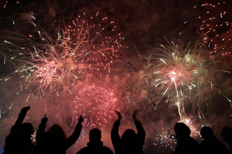 31 December 2011! Zoekjebedrijfswagen.nl wenst al haar klanten een gelukkig nieuwjaar!
