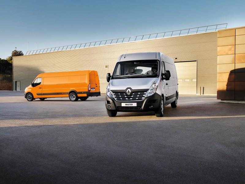 Facelift Renault Master, opvallende nieuwe grille. 29 April 2014