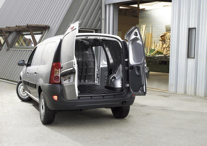 dacia logan van 1 5 dci getest. Black Bedroom Furniture Sets. Home Design Ideas